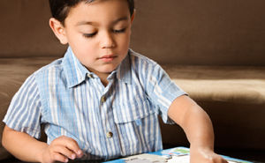 7 sfaturi despre cum să trezești interesul copilului pentru puzzle-uri