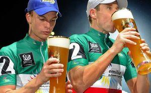 Пиво, кола или вода: что лучше помогает поддерживать водный баланс