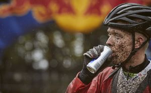 "Red Bull - партнер ""Glodiator Mud Race"""