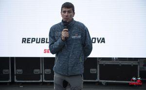Рекордсмен-марафонец Леонид Швецов выступает с лекцией в Кишиневе