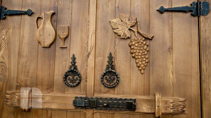 O familie din Leordoaia a pus pe roate o afacere cu lemn