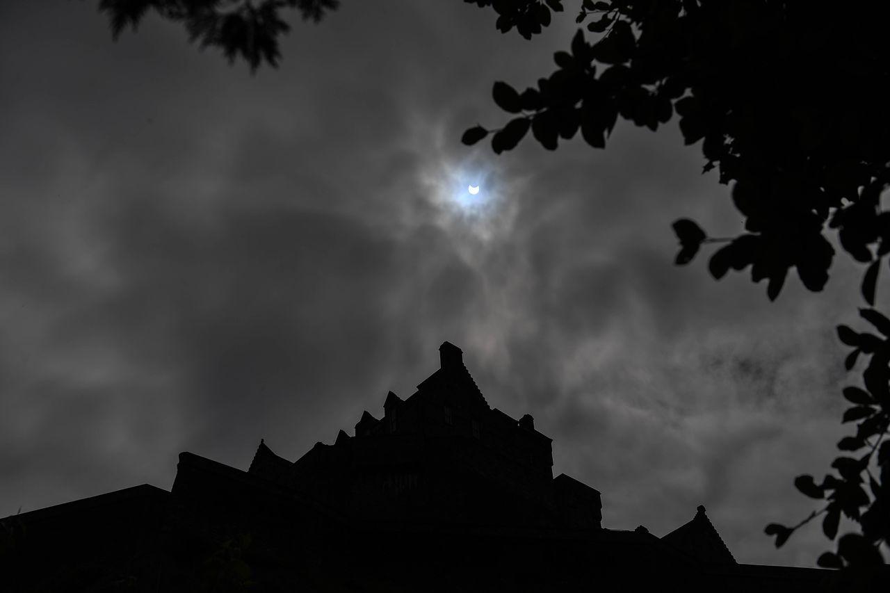 Imagini uluitoare: Cum s-a văzut prima eclipsă de Soare din 2021 în lume
