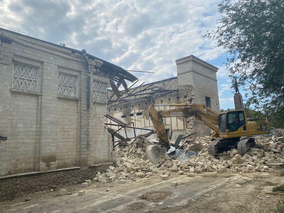 Demolarea cinematografului Gaudeamus. Ceban: muncitorii au revenit