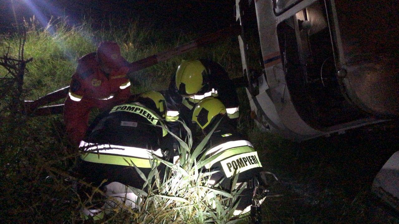 Exercițiu: Pompierii au salvat oameni de sub dărâmături și din fântâni