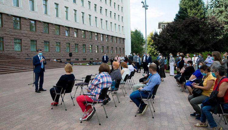 Parlamentul a găzduit grupuri de vizitatori de Ziua Democrației