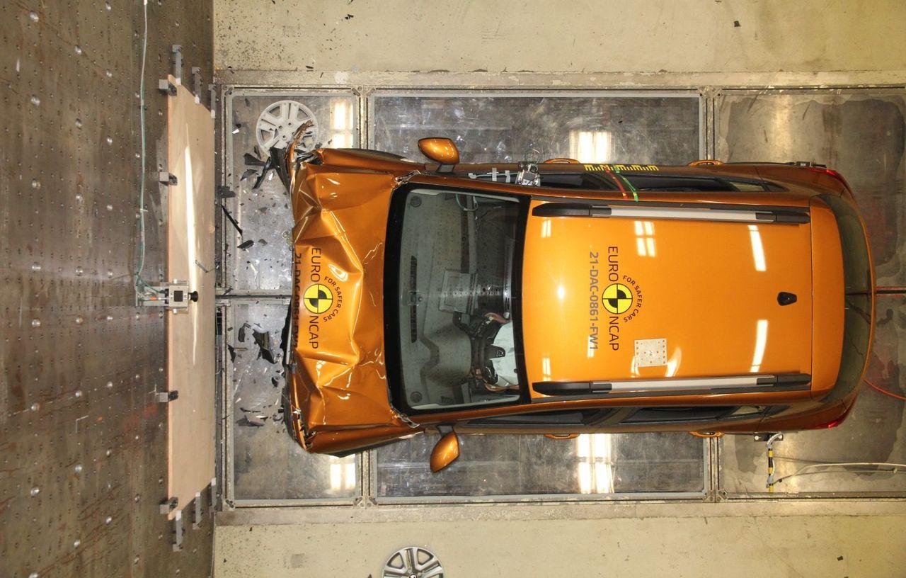 Dacia Sandero și Logan, câte 2 stele la testele de siguranță EuroNCAP