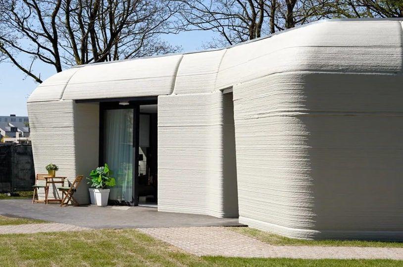 Un cuplu din Olanda și-a construit o casă cu o imprimantă 3D. Cum arată