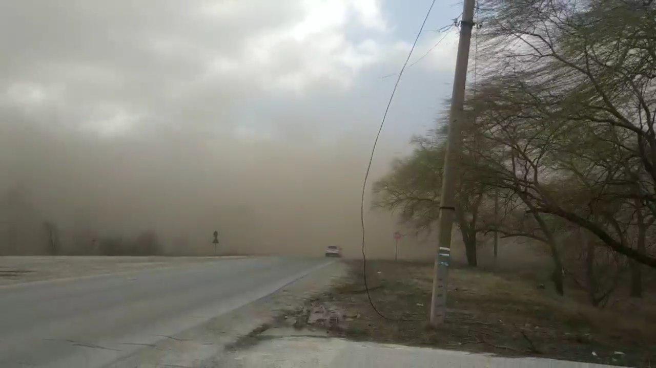 Пыльная буря обрушилась на северные районы Молдовы
