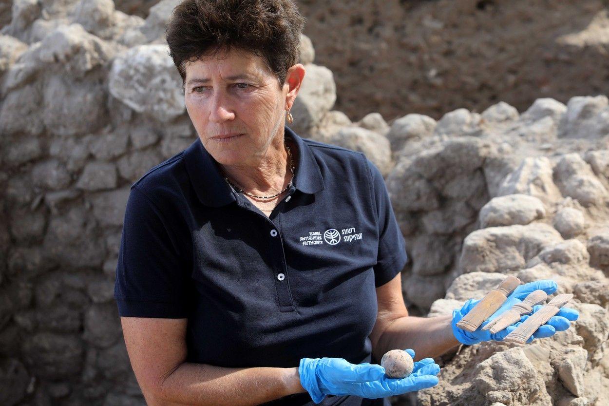 Un ou de găină, vechi de 1.000 de ani, a fost descoperit intact