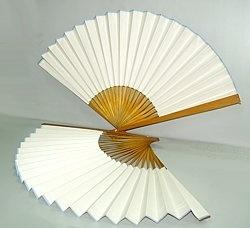 Как сделать из бумаги красивый веер своими руками из бумаги