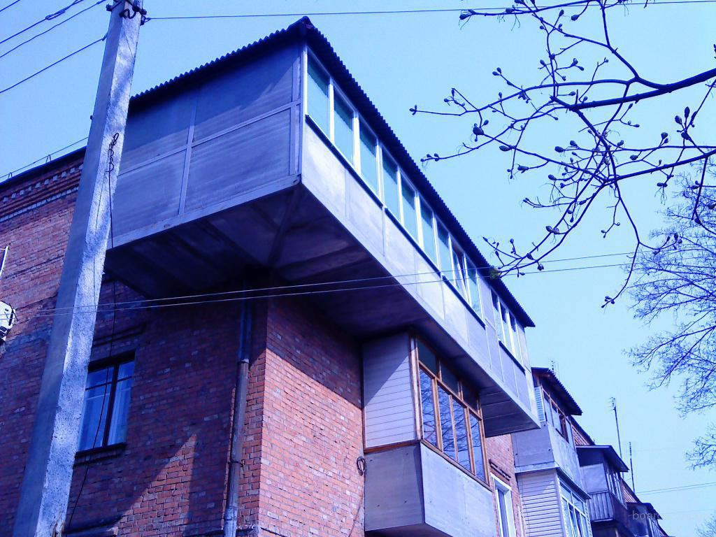 Как построить балкон на втором этаже.