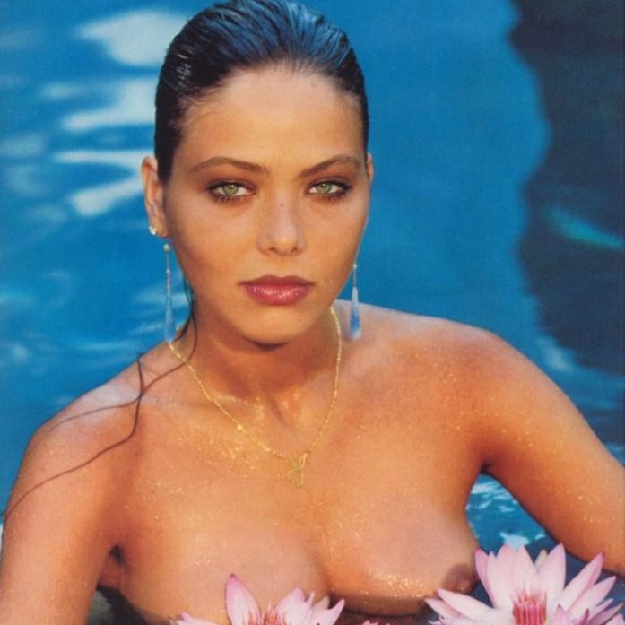 фото жена гола на мори