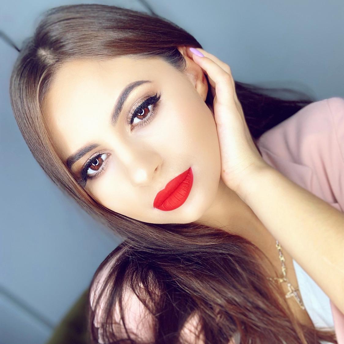 Мастер макияжа визажист