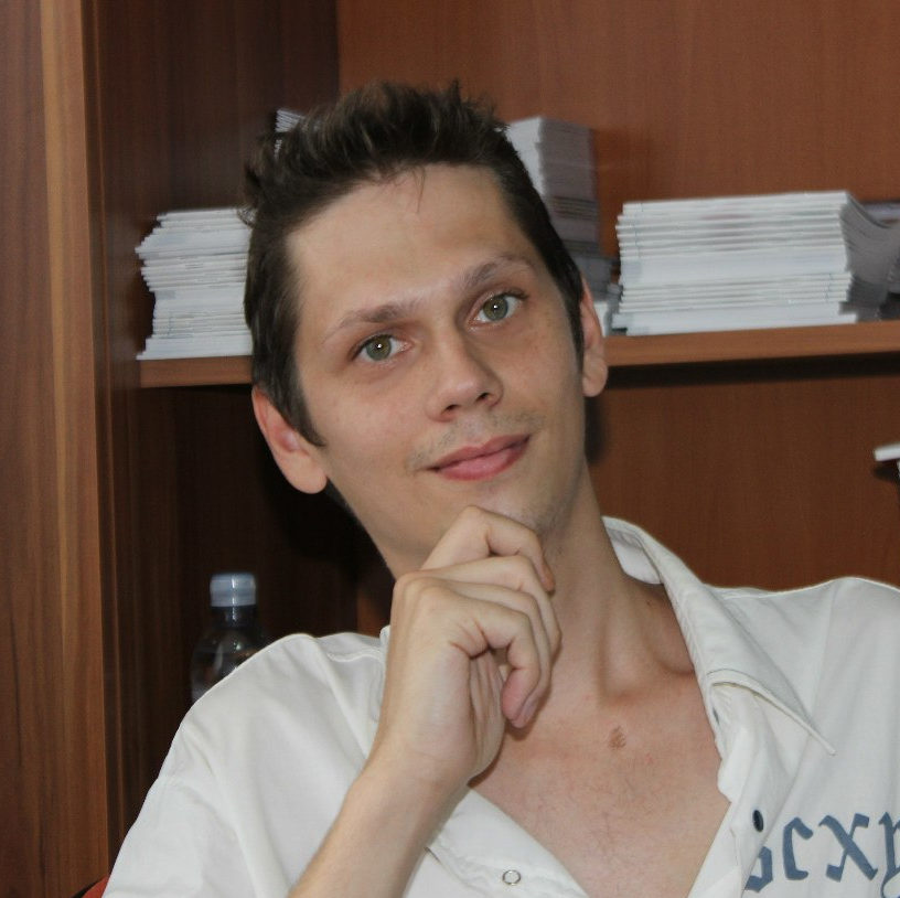 Дизайнер полиграфии, реклам / фото-видео монтажник