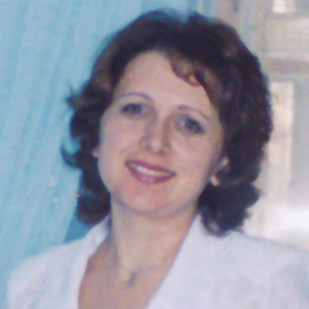 Traducator,Profesor de Limba si literatura romana/