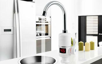 купить Проточный водонагреватель с LCD экраном 3 кВт в Кишинёве
