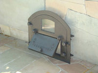 Дверца чугунная со стеклом левая PIZZA 3