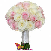 купить Классический свадебный букет из небольших белых и розовых роз. в Кишинёве