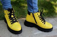 Женские желтые ботинки