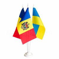 купить Флажки настольные 22x11 см на трайном пластиковом флагштоке - Молдова или друге страны в Кишинёве
