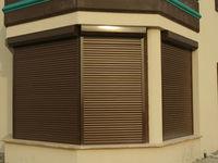Rolete cafenii perforate pentru ferestre