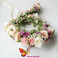 """купить Венок с """"косой"""" из живых цветов в Кишинёве"""
