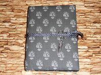 Серый дневник с кулоном