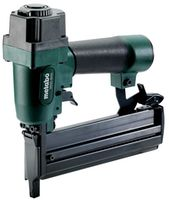Stapler pneumatic pentru batut cuie Metabo DKNG 40/50 (601562500)