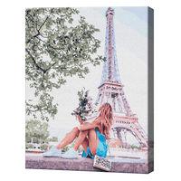 Fata de lângă Turnul Eiffel, 40х50 cm, pictură pe numere Articol: GX36095