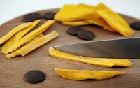 Sticks-uri de  mango în ciocolată