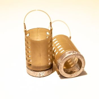 Кормушка Бигуди 60г (пластик+металл)