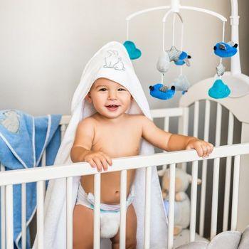 купить Полотенце велюроое Babyono с капюшоном (100x100 см) голубое в Кишинёве