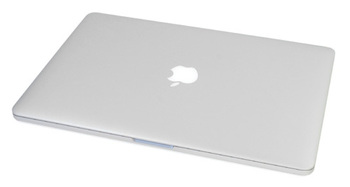 Ноутбук APPLE MacBook Pro 15 (i7 2.2 GHz 16Gb 256Gb)