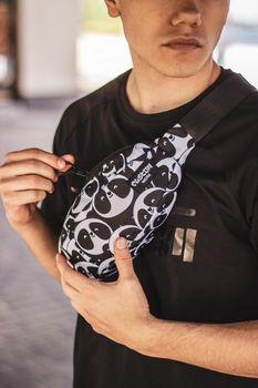Сумка на пояс Custom Wear Uno Pandisimo (387)