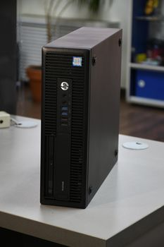купить HP 600 G2 SFF  Intel® i5 6500 3.6 GHz, 4Gb DDR4, HDD 500GB , Windows 10 Home в Кишинёве