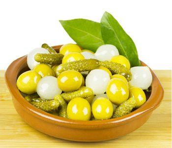 купить Ассорти Оливок и Овощей(в оливковом масле и рассоле анчоуса). ИСПАНИЯ 250гр= 38 ЛЕЙ в Кишинёве