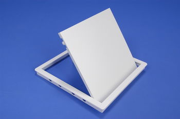 купить Дверца ревизионная 200 х 250мм пласт. PL2025 Europlast в Кишинёве
