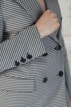 cumpără Costum femei în carouri alb-negru (jachetă+pantaloni) în Chișinău