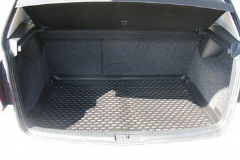VW Golf VI 04/2009->, хб. Коврик в багажник