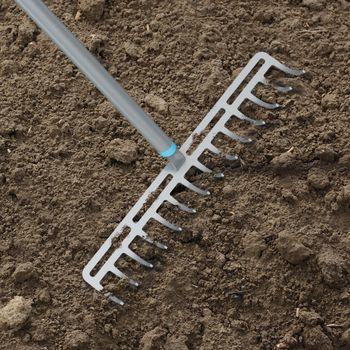 купить Грабли металлические универсальные 370 мм 14 зубьев L=1550 мм 0,9 кг ERGO Cellfast в Кишинёве