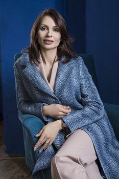 Пальто женское голубое