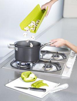 купить Аксессуар для кухни Joseph Joseph NSW016SW Доска разделочная (маленькая, белая) Chop2Pot в Кишинёве