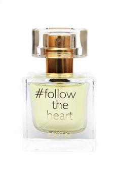 {u'ru': u'\u0416\u0435\u043d\u0441\u043a\u0430\u044f \u0442\u0443\u0430\u043b\u0435\u0442\u043d\u0430\u044f \u0432\u043e\u0434\u0430 Follow the Heart', u'ro': u'Apa de toaleta p-u dame Follow the Heart'}