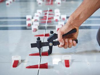 купить Система выравнивания плитки, набор из 50 клиньев и 150 зажимов  2 мм SGS6313 в Кишинёве
