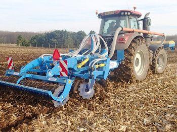 купить Digger 3 Fert+ глубокорыхлитель 7 лап (2,9 метра) с передним бункером для удобрений/семян - Фармет в Кишинёве