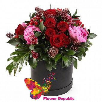 """купить Композиция цветов в шляпной коробке """"Возвращение домой"""" в Кишинёве"""