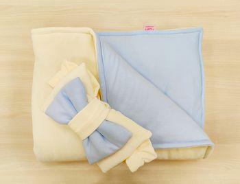 Конвертик-одеялко 100*80 см Велюровый молочный c голубым