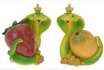 Копилка змея с фруктами