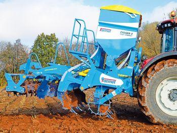 купить Digger 3 Fert+ Compact - глубинный культиватор 7 лап (2,9 метра) со встроенным бункером для удобрений - Фармет в Кишинёве