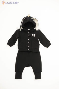 Costumas iepuras negru